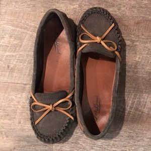 Lucky Band suede moccasins